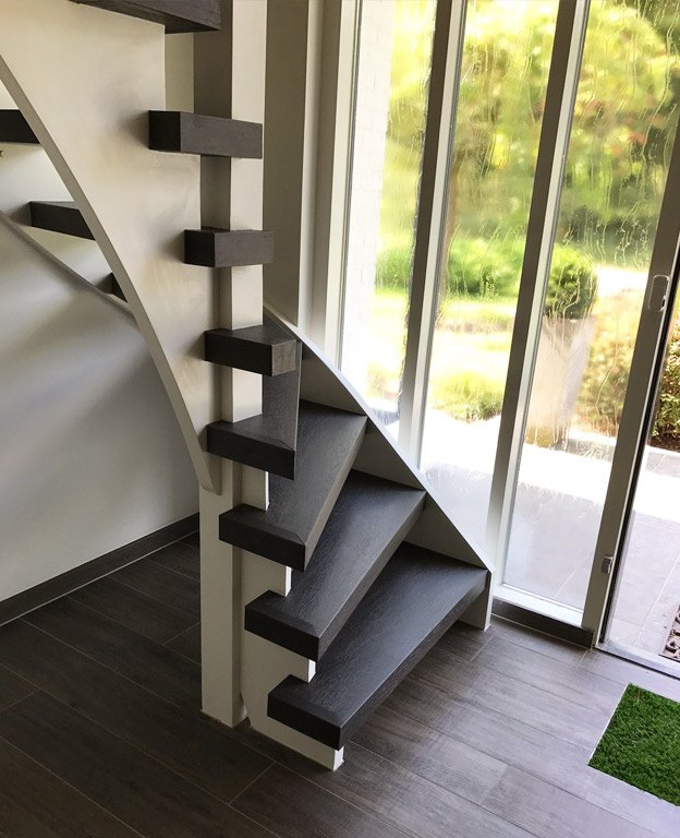 Trap renoveren in 1 dag slip en slijtvast brugman for Nieuwe trap laten plaatsen